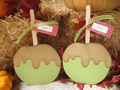Caramel Apple Cards by Kelli, via Flickr with link to pattern