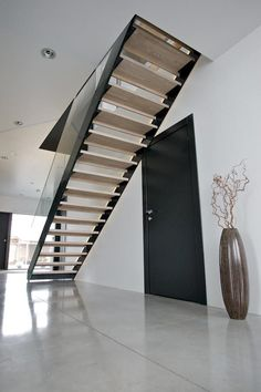 Koti seitsemän raksablogi: PORTAAT VALITTU Floating Staircase, Staircase Ideas, Sweet Home, New Homes, Stairs, House Design, Architecture, Home Decor, Modern Stairs