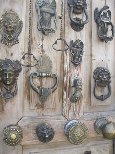 Cappadocia Door Knobs and Knockers Door Knobs And Knockers, Knobs And Handles, Door Handles, Old Keys, Door Detail, Creation Deco, Door Sets, Door Accessories, Door Furniture