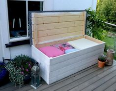 Look this awesome Garden bench Built In Ideas 3906740898 Garden Storage Bench, Diy Storage Ottoman, Garden Planter Boxes, Diy Bench, Cozy Backyard, Backyard Seating, Patio Furniture Cushions, Diy Furniture, Outside Benches