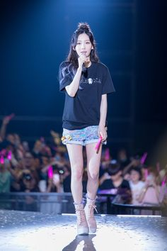 Taeyeon persona asiatour in hongkong