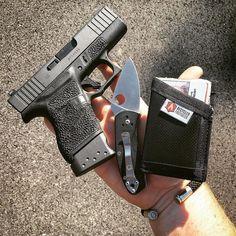 Photo Courtesy of @heyopey --- www.BearArmsBracelets.com --- Original Black on Nickel 9mm Casings BearArms Bullet Bracelet --- Minimalist :::::::::::::::::::: #edc #edccommunity #carrystrong #everydaycarry #dailycarry #kentucky #concealedcarry #gunsofinstagram #recycledfirefighter #spyderco #glock #glock43 #9mm #cerakote #handdump #everydaydump