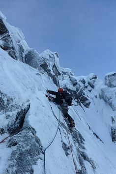 Dafydd Morris on the crux traverse of Gallows Groove (VI,7) on Creagan Cha-no on the east side of Cairn Gorm. The prominent gully of Fingers and Thumbs with its steep headwall can be seen just to the right. (Photo Matt Buchanan)