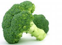Broccoli Green Smoothie Recipes, Nutrition and Health Benefits - Incredible Smoothies Broccoli Health Benefits, Broccoli Nutrition, Food Nutrition, Fresh Broccoli, Cauliflower Vegetable, Broccoli Soup, Broccoli Sprouts, Green Smoothie Recipes, Loosing Weight