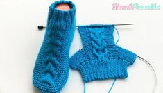 Cheveux chaussettes chaussettes modèle / chaussettes hommes et femmes faisant / comment faire chaussons / chaussettes tricot crochet - Вязание крючком - Knitted Booties, Knit Boots, Knitted Slippers, Knitting Socks, Free Knitting, Half Socks, Crochet Baby, Knit Crochet, Knitting Videos