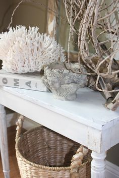 Accessorizing beach style without being cheesy. like the different tones of white Beach Cottage Style, Beach Cottage Decor, Cottage Ideas, Seaside Decor, Coastal Decor, Coastal Style, Seaside Beach, Cottages By The Sea, Beach Cottages