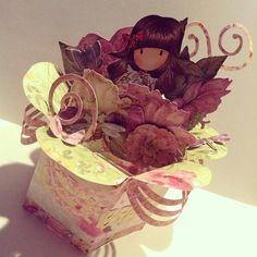 3D Flower Box Card created by Bona Rivera-Tran. (Flower Punch Board)