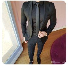 Black Prom Suits, Prom Suits For Men, Black Suit Wedding, Wedding Suits, Wedding Tuxedos, Best Suits For Men, Wedding Poses, Blazer For Men Wedding, Men's Tuxedo Wedding