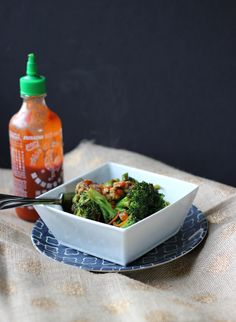 Participate in meatless Monday this week with this super simple and flavorful tempeh and broccoli stir fry.