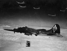 B-17 dropping its payload