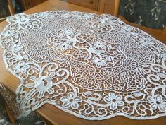 OLX.ro Crocheted Lace, Knit Crochet, Point Lace, Lace Knitting, Rugs, Ideas, Home Decor, Romanian Lace, Farmhouse Rugs