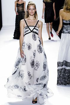 Bill Blass | Spring 2006 Ready-to-Wear Collection | Style.com suflowlowers in black/ white