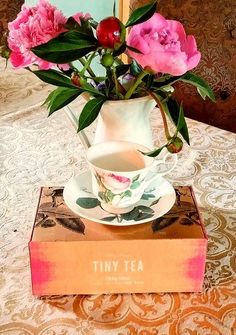 Tiny Tea by Your Tea helps with bloating and digestion. ==