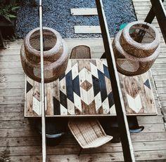 Patio Table, Diy Table, Garden Table, Barn Wood, Pallet Wood, Pallet Beds, Dado Rail, Table Frame, Patio Design