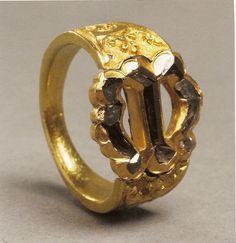 Anillo de María de Borgoña. Oro y diamantes tallados. Flandes ca. 1477. Kunsthistoriches Museum, Viena.