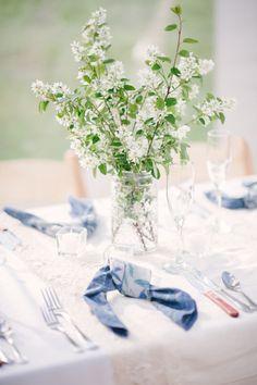 easy wedding floral ideas http://www.weddingchicks.com/2013/10/09/romantic-ranch-wedding/