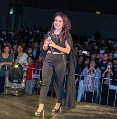 Neha Bollywood Actors, Bollywood Fashion, Neha Kakkar Dresses, Red Kurta, Indian Idol, Indian Gowns Dresses, Just Amazing, Singers, Celebs