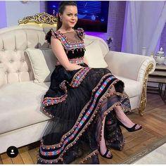 Arab Fashion, Boho Fashion, Indian Fashion, Fashion Dresses, Afghani Clothes, Navratri Dress, Afghan Dresses, Pakistan Fashion, Pakistani Dress Design