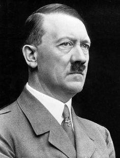 Adolf Hitler (20/04/1889-30/04/1945) Hij was leider van de NSDAP in Duitsland. Hij veranderde Duitsland in een totalitaire staat. Is verantwoordelijk voor de massamoorden op 'untermenschen': Joden, verstandelijk gehandicapten, zigeuners en homofielen. Hij had een extreme nazi-ideologie.