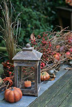 DekoGerümpel: Herbstdekoration auf dem Gartentisch