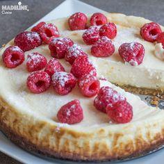 Cel mai bun cheesecake keto / Best keto cheesecake - Madeline's Cuisine Keto Cheesecake, Smoothie, Fresh, Desserts, Food, Kitchens, Tailgate Desserts, Deserts, Eten