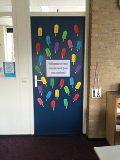 Deurversiering 'we gaan er een onwIJS leuk jaar van maken' Classroom Door, School Classroom, School Teacher, Pre School, Back To School, Classroom Ideas, Beginning Of School, Primary School, Infant Room Daycare