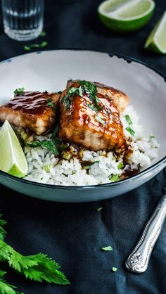 Asian-Style Glazed Salmon with Coconut Rice Salmon Recipes, Fish Recipes, Seafood Recipes, Vegetarian Recipes, Healthy Recipes, Vegetarian Cooking, Healthy Meals For Two, Healthy Cooking, Healthy Eating