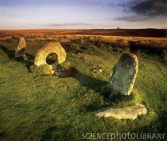 Men-an-tol standing stones Cornwall