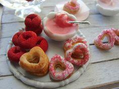 Dollhouse miniature Valentine donuts baking set by Kimsminibakery