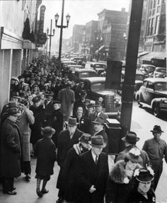 Porters of Racine - There were long lines of shoppers when Porters moved from Main Street to the current location at Sixth and Wisconsin in 1939. (Porter's building demolished Nov. 2014)