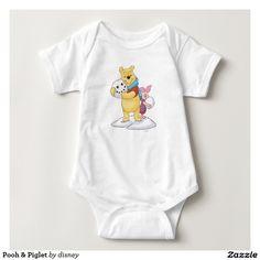 Pooh & Piglet. Baby, bebé. Producto disponible en tienda Zazzle. Vestuario, moda. Product available in Zazzle store. Fashion wardrobe. Regalos, Gifts. #camiseta #tshirt