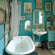 Make an out-dated, vintage #bathroom look like a conscious #decor choice