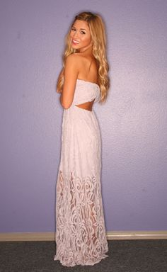 Beach wedding dress. This definitely has Kayla written all over it