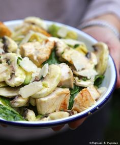 Salade tiède de poulet au citron et à l'avocat »