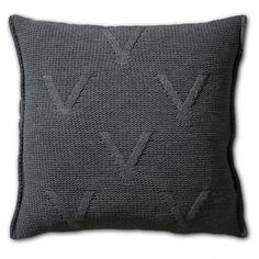 Pillow 50x50 - Aran AZ antra by Knit Factory www.knitfactory.nl