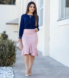 Swans Style is the top online fashion store for women. Shop sexy club dresses, jeans, shoes, bodysuits, skirts and more. Jw Fashion, Modest Fashion, Fashion Dresses, Fashion Trends, Elegant Office Wear, Church Outfits, Work Attire, Classy Outfits, Skirt Outfits