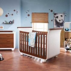 Panda baby room!! I want this for when I have a child! and knowing me, it WILL happen!!!! :D