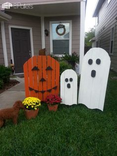 22 Superb Halloween Decorations Using Pallet Wood