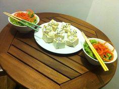 Tofu com pasta de cebolinha. Leve, saboroso e nutritivo. Nham! #Tofu