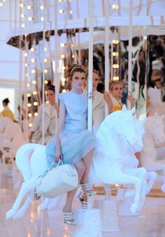 Marc Jacobs' full size carousel inside the Louis Vuitton Spring 2012 runway show Fashion Week Paris, High Fashion, Fashion Shoes, Louis Vuitton, Cinderella Story, Karl Lagerfeld, Just In Case, Lv Handbags, Discount Handbags