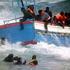 Sur les bateaux d'embarcation au départ de la Libye et en destination de l'Italie, les passeurs établissent un classement en fonction du pays d'origine des migrants. Ce