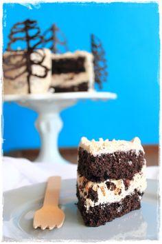 Torta al cacao con glassa al caramello al burro salato - Rich chocolate cake with salted butter caramel frosting