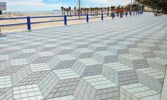 3D paving in Spain keeps drunk people away