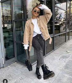 Neue Strickmode 2020 - Fashion Bloge - #teenagerfashion - Dieser Herbst ist bei mir wohl ein Schal-strick-Herbst. Denn nicht nur, dass in wenigen Wochen wieder ein Schal fürs Leben kommt und ich gerade noch einen weiteren Schal stricke, habe ich mir einen gestreiften Schal mit Halbpatent Muster gestrickt. Und den will ich heute zeigen. Das Halbpatent eignet sich besonders gut fürs einfache Stricken von Schals, weil es das Strickwerk ein wenig voluminöser macht, was ja gerade für einen Schal…