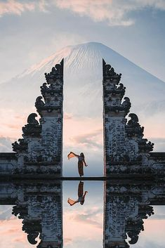 Ideas For Affordable Honeymoon Packages ★ affordable honeymoon packages bali indonesia fantastic view mountain girl near water Affordable Honeymoon Packages, Corolla Toyota, Places To Travel, Places To Visit, Bali Travel, Honeymoon Destinations, Honeymoon Ideas, Travel Goals, Beautiful Islands
