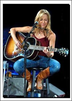 Listen to every Sheryl Crow track @ Iomoio Female Guitarist, Female Singers, Music Icon, Her Music, Girl Celebrities, Celebs, Rock And Roll Girl, Sheryl Crow, Women Of Rock