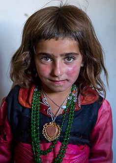 Portrait of an afghan girl with red cheecks, Badakhshan province, Khandood, Afghanistan People Photography, Children Photography, Beautiful Children, Beautiful People, Afghan Girl, Eric Lafforgue, Tribal Fashion, Central Asia, People Around The World