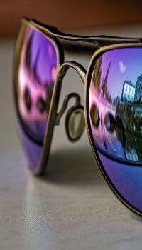 sunglasses wallpaper Cool sunglasses w - sunglasses Summer Wallpaper, Cool Wallpaper, Images Of Glasses, Glasses Wallpaper, Mirrored Wallpaper, Cool Sunglasses, Vacations, Cool Stuff, Wallpaper Pictures