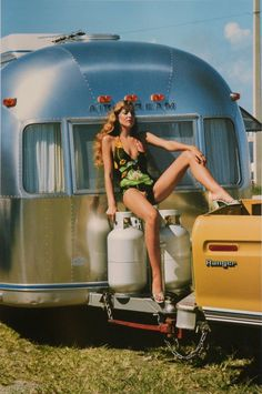 honey-rider:  Jerry Hall for VOGUE by Helmut Newton, 1974