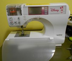 Brother SE270D.  Has slide-on embroidery attachment. Love Sewing, Sewing Diy, Brother Embroidery, Machine Embroidery, Sewing Machines, Stitches, Manual, Crafts, Craft Ideas